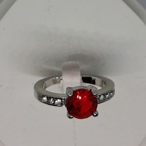 Size 8 costume ring nwot
